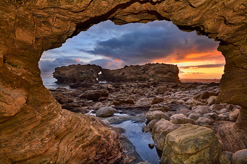 coronadelmar newportbeach littlecoronabeach cameoshores ladderrock california coast ocean arch portal clouds sky sunset landscape seascape color light nikon