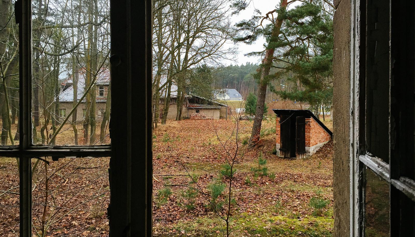 O Elisabeth Sanatorium é uma clínica que foi construída em 1912 para o tratamento de tuberculose. A hoje abandonada clínica fica em Stahnsdorf, uma vila entre Potsdam e Berlin, e eu fui explorar o local em janeiro de 2015.