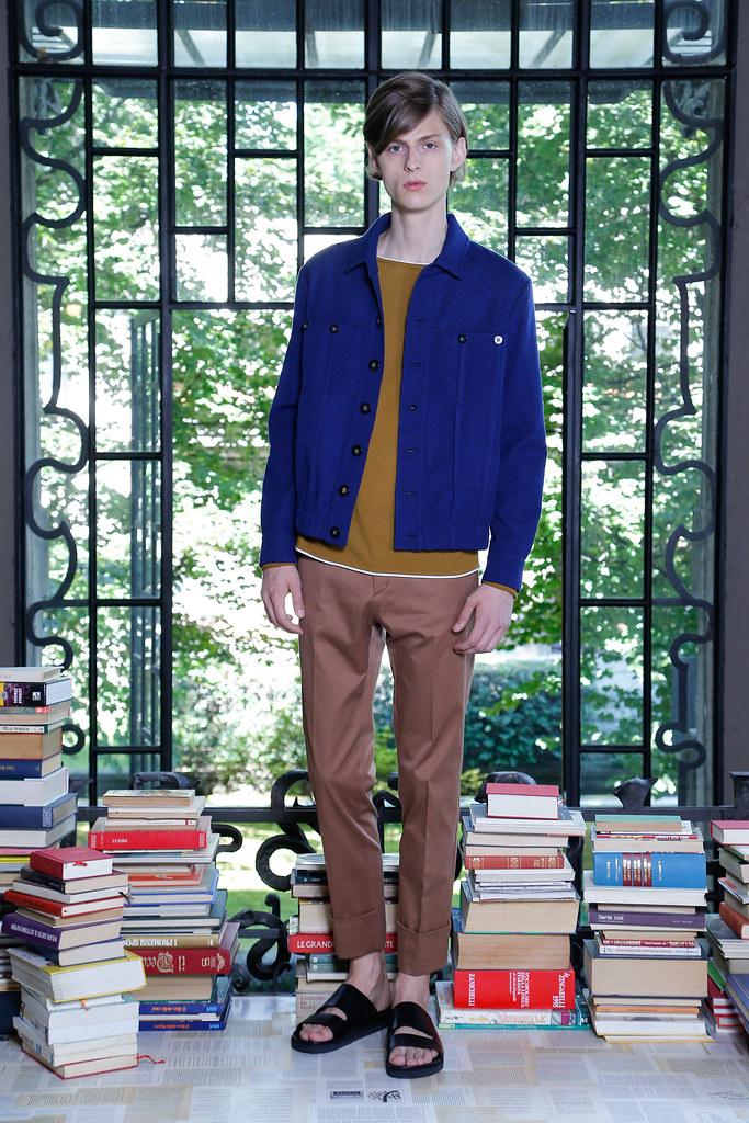 Elvis Jankus3263_SS16 Milan Iceberg_Samuel Steele(Style.com)