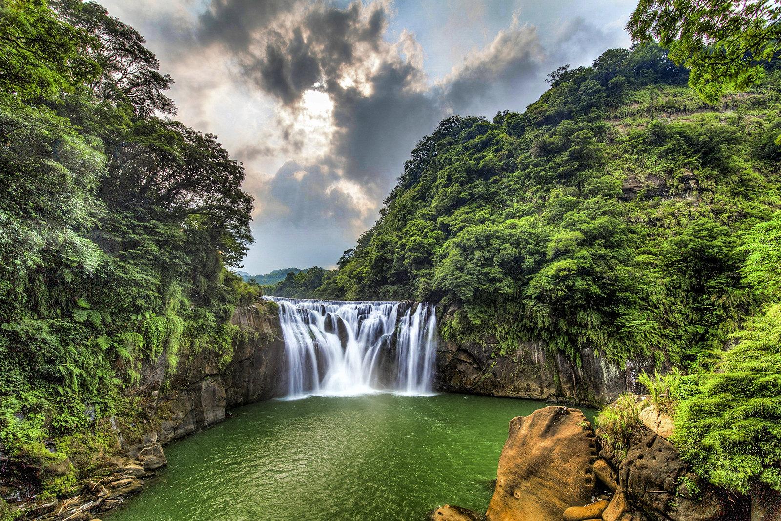 十分瀑布+黃金瀑布