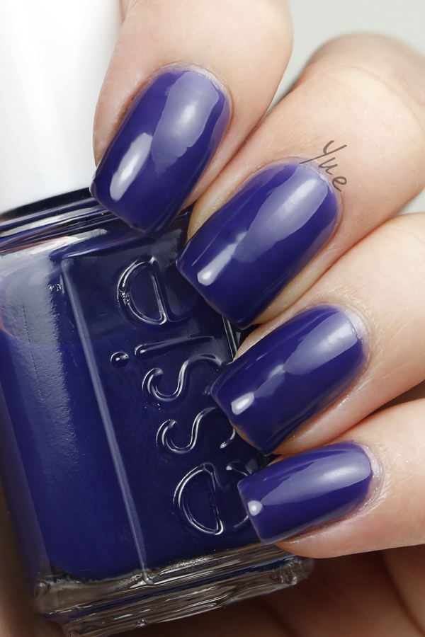 essie_silk_watercolor_point_of_blue
