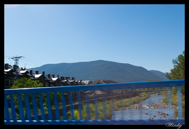 Cruzando río de Biescas