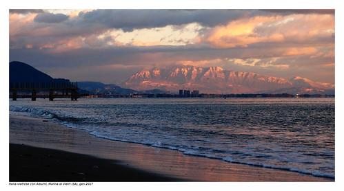 alburni mountains montagna snow neve sea mare sunset goldenhour tramonto sand sabbia beach spiaggia pontile jetty
