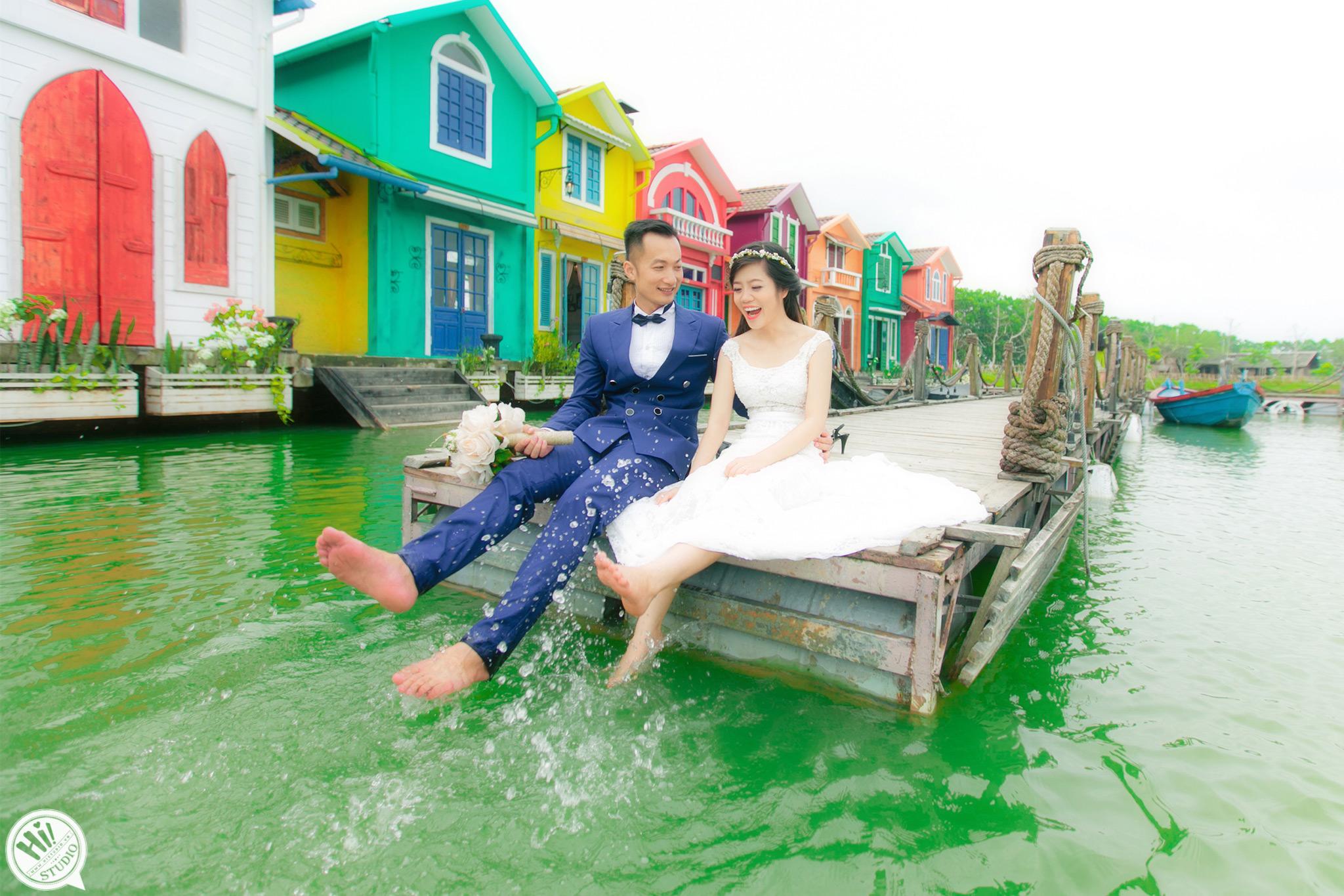 Chụp ảnh cưới ở Phim Trường Smiley Ville