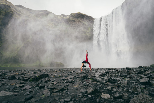 Eka Pada Urdhva Dhanurasana (One-Legged Inverted Bow Pose)