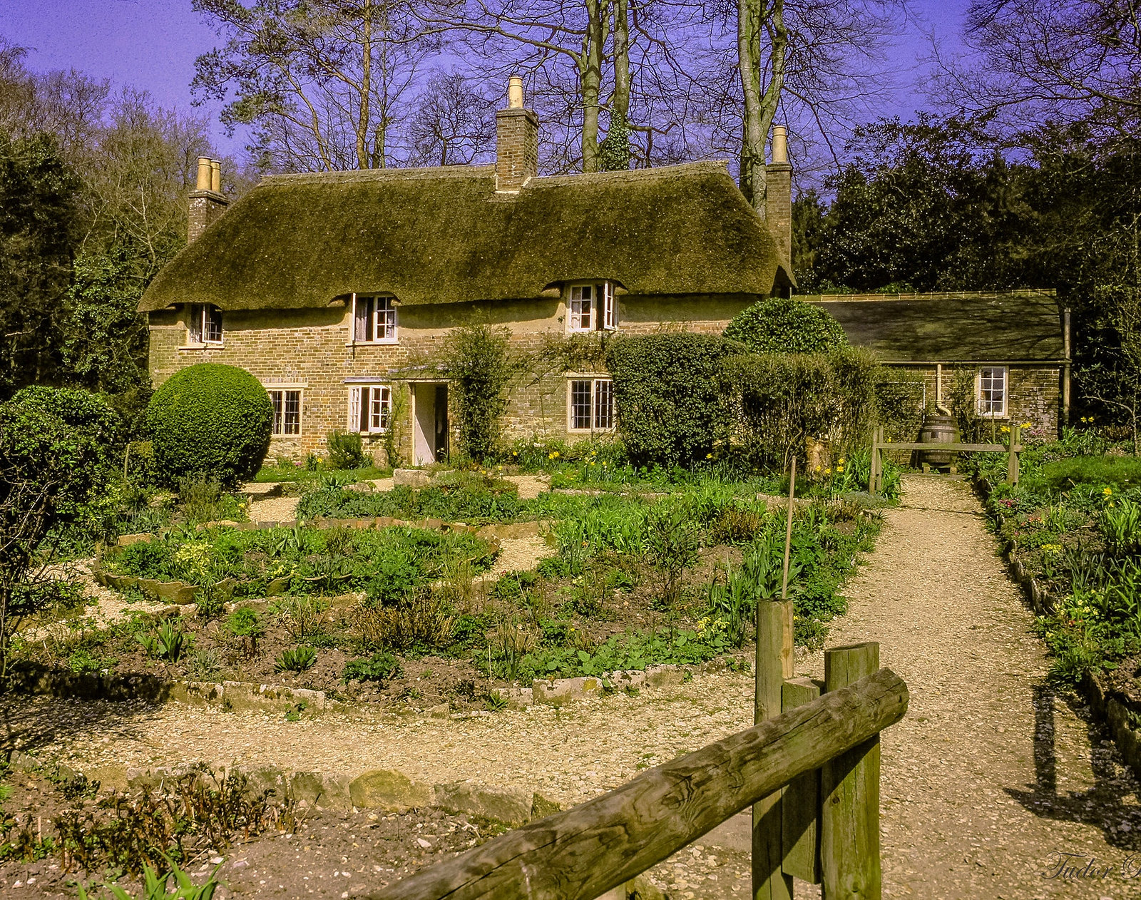 Thomas Hardy's Cottage, Dorchester, Dorset. Credit Tudor Barker, flickr