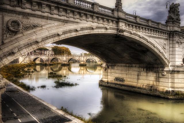 Roma n°23 : sotto i ponti ...