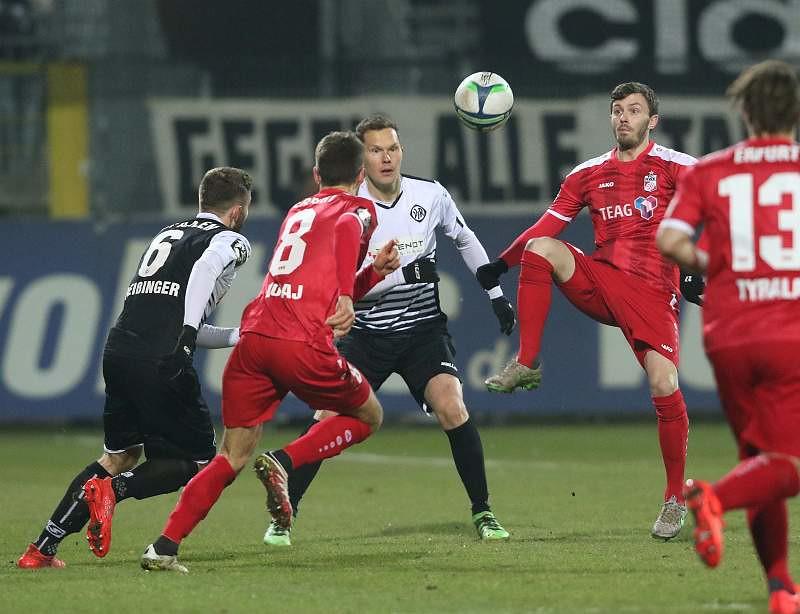 10.2.2017  VfR Aalen vs. FC Rot-Weiss Erfurt  1-1, Foto: Frank Steinhorst-Pressefoto