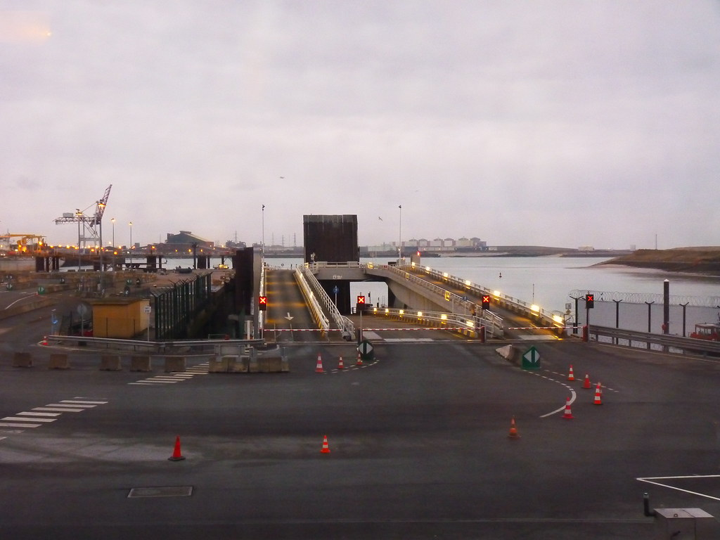 Dunkerque port ouest hauts de france tripcarta - Mobilier de france dunkerque ...