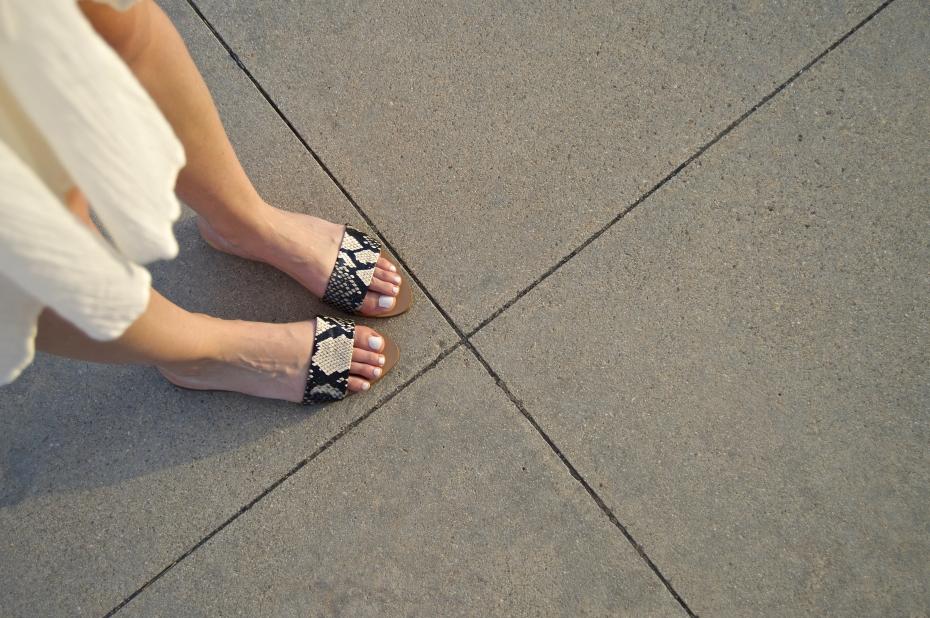 lara-vazquez-madlula-style-fashion-blog-feet-moda-glamour