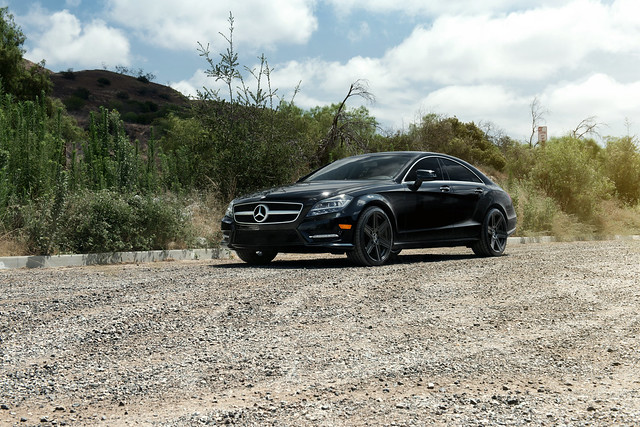 Mercedes Benz CLS with Mandrus Atlas