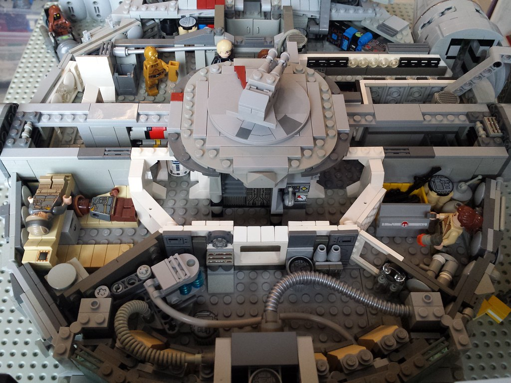 Lego Millennium Falcon interior back