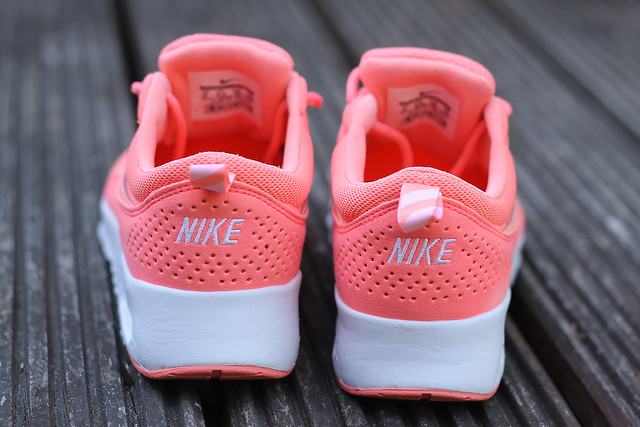 modeblog-fashionblog-sneaker-trend-fashion-style-nike-thea-hot-pink-korall