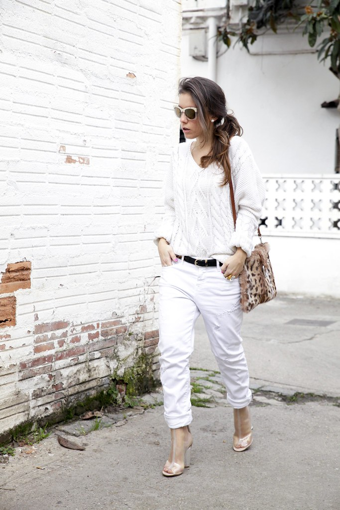 01_TOTAL_WHITE_OUTFIT_AND_LEO_LAURA_SANTOLARIA_THEGUESTGIRL_INFLUENCER_BARCELONA