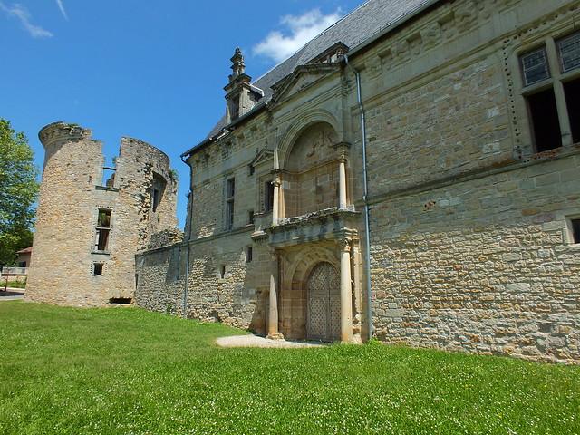 [009-007] Assier - château