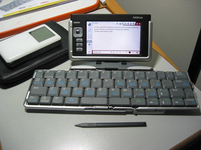nokia 770 and stowaway keyboard
