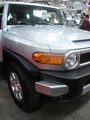 automobile(1.0), automotive exterior(1.0), sport utility vehicle(1.0), wheel(1.0), vehicle(1.0), toyota fj cruiser(1.0), rim(1.0), bumper(1.0), land vehicle(1.0), luxury vehicle(1.0),