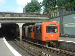 DT2 at Lanungsbrucken (Hamburg U-Bahn)
