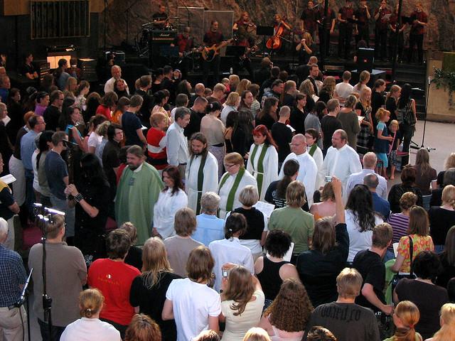 Misa de heavy metal cristiano en Helsinki