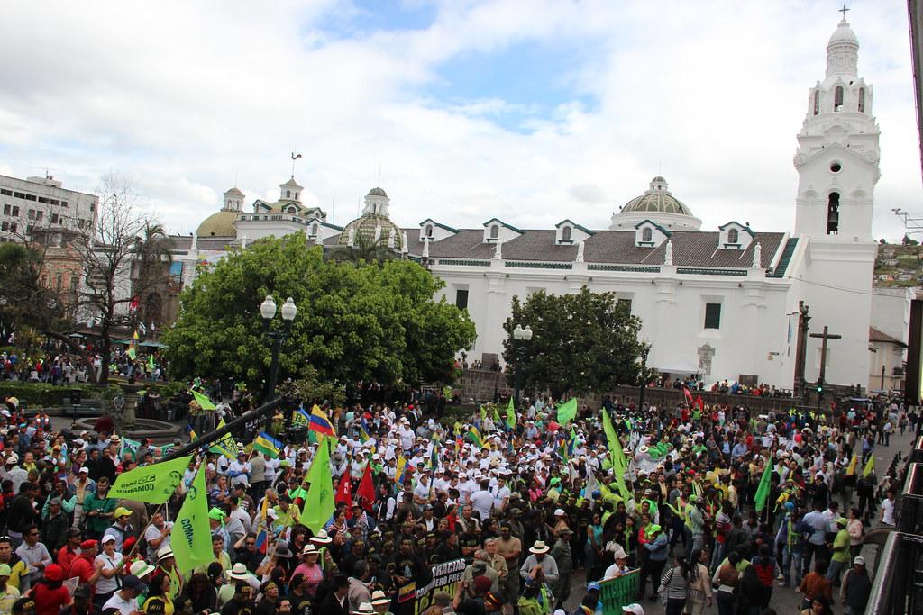 Vigilia por la democracia en la Plaza de la Independencia