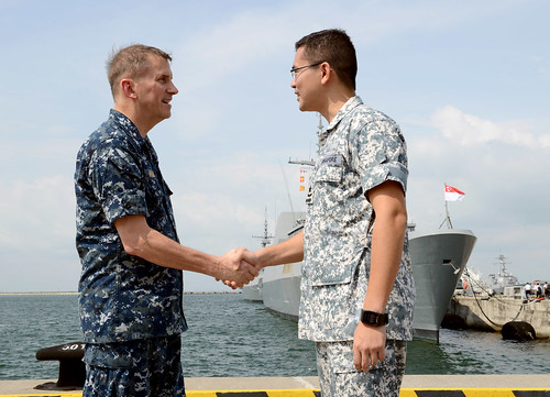 Sailors and Marines enhance partnership with Singapore Armed Forces during 21st CARAT Exercise