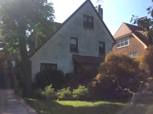 1 FAMILY RENTAL FOREST HILLS GARDENS