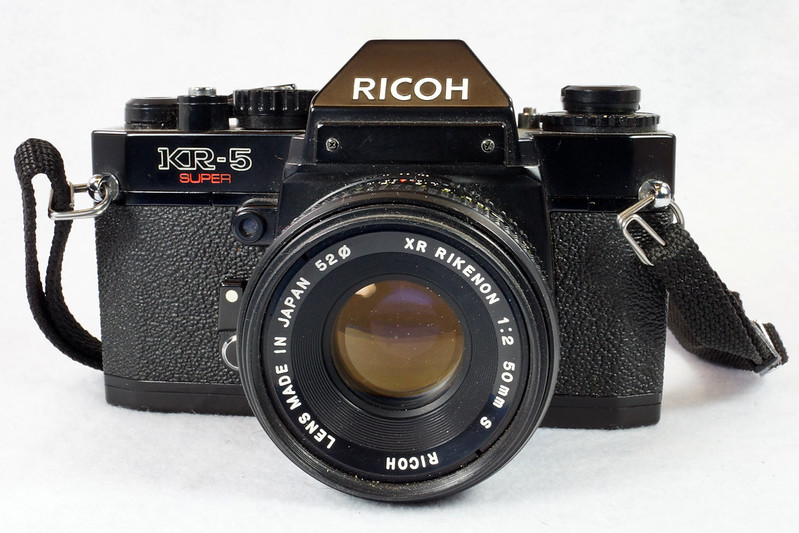 RD15023 Ricoh KR-5 SUPER 35mm SLR Film Camera XR Rikenon 50mm Lens, Sunpak Flash, Mustang Case DSC07460
