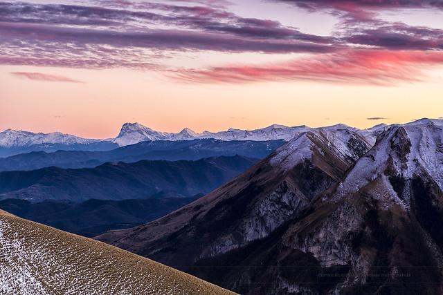 Mountain to mountain (04765)