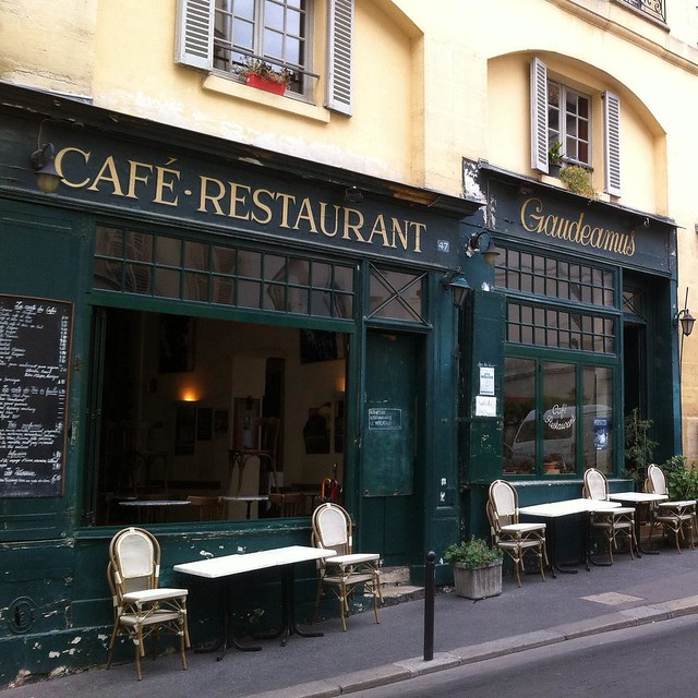 What is it about #Paris? I can't help but love the look of these little places. #lifeinFrance