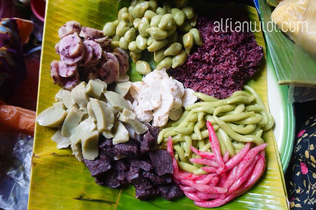 LOMBOK_jajanan pasar khas Lombok_editWM