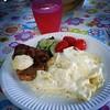 Dinnöör is söörvd. Fläskfilé med potatisgratäng.