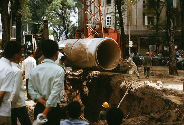 SAIGON 1966 - ROAD WORK - LARGE PIPE