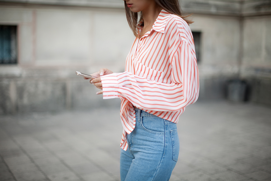 knotted-shirt-striped-outfit-fashion-blogger