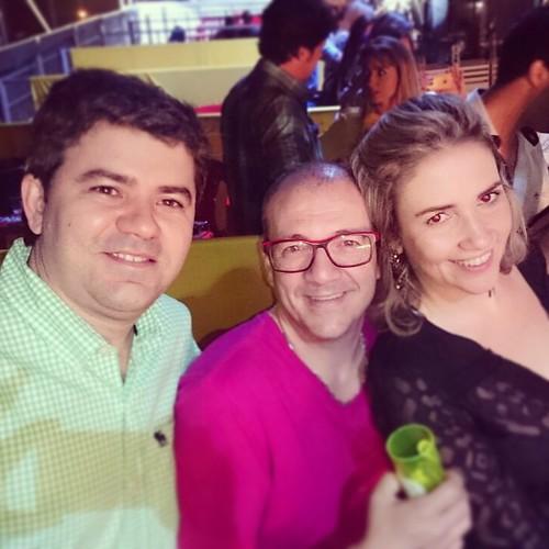 Camarote Oferecido pela Distribuidora Birivet na Expoara em Araguaína-TO... Companhia do Dr. Arivan e sua esposa Bárbara...