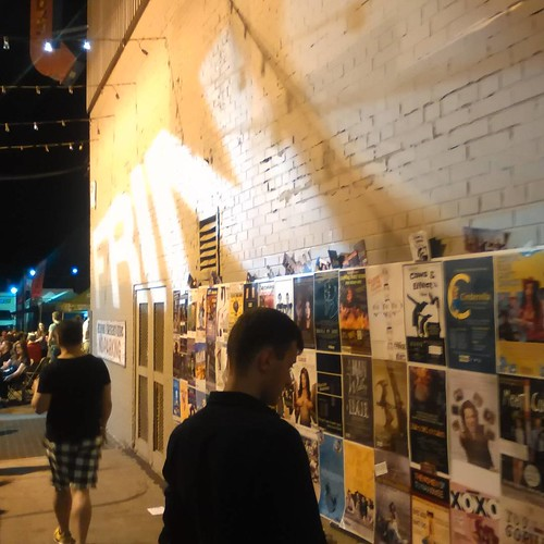 The wall of the Alley #toronto #thealley #fringeto #honesteds #night