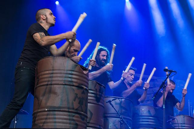 Les Tambours Du Bronx - Openingsavond Het Groot Verlof 2015