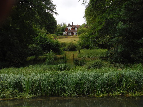 House in Shawford, viewed from the Itchen Way