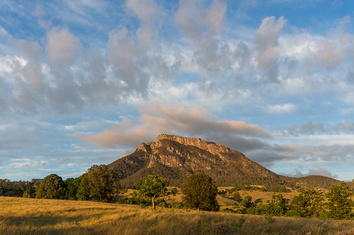 morning trees mountain clouds sunrise australia farmland bushwalking qld queensland 2014 scenicrim mtmaroon seqld mtbarneynationalpark sonynex6