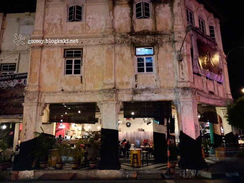 The Blooming Of Halal Cafe In Ipoh Yum Yum Park border=