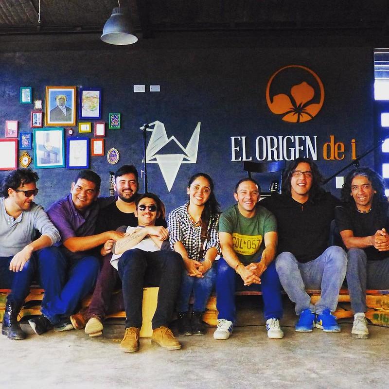 Bitácora de viaje Gira de Las Alturas 2015 / Día 29 / 10 de agosto / Hora 11 am / Buenos Aires - Argentina / Amorosa geografía cantora del camino!