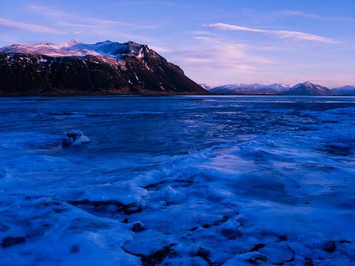 blue film ice analog sunrise iceland islandia e6 e100g mamiya645protl tetenal3bathkit f0295 exif4film opticfilm120 plustekopticfilm120