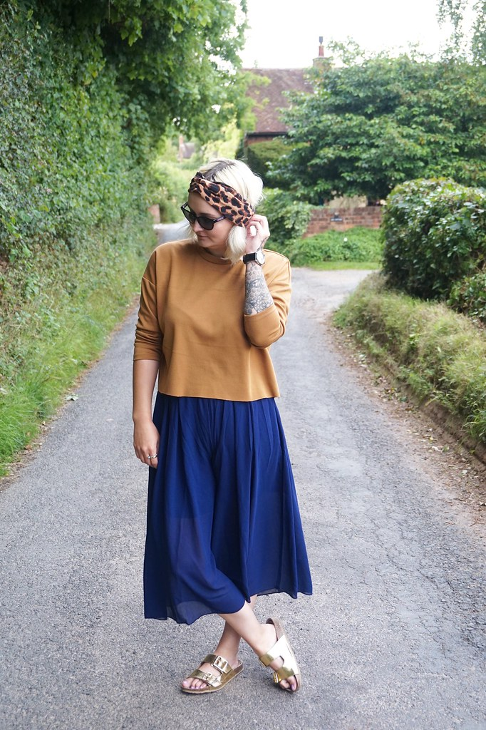 gold birkenstocks street style personal style katelouiseblog culottes