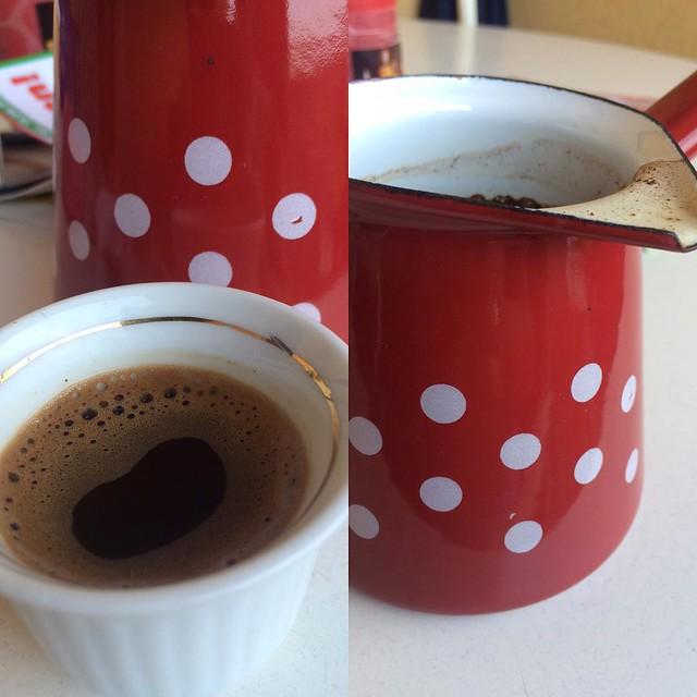 ich habe mir noch was mitgebracht aus Bosnien, damit ich mir eine grössere Menge Kaffee aufgiessen kann #bosniankava #BosnienuHerzegovina ❤️
