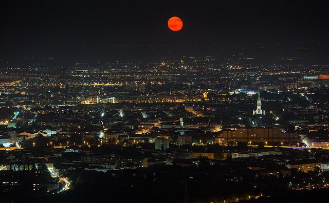 Moonrise over Vienna