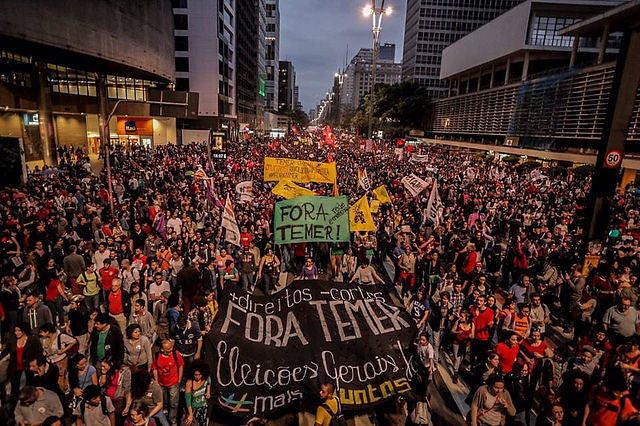 ''Tomar às ruas'' contra a precarização dos direitos e pelas ''diretas'' devem ganhar novos adeptos para barrar retrocessos iminentes - Créditos: Mídia Ninja