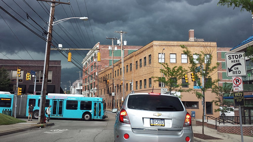 road street city urban storm bus weather clouds oakland pittsburgh pennsylvania shadyside driveby intersection urbanlandscapes urbanlandscape rustbelt westernpennsylvania 2000s 2015 pittsburghpa alleghenycounty centreavenue urbanarte morewoodavenue 2010s willreal williamreal