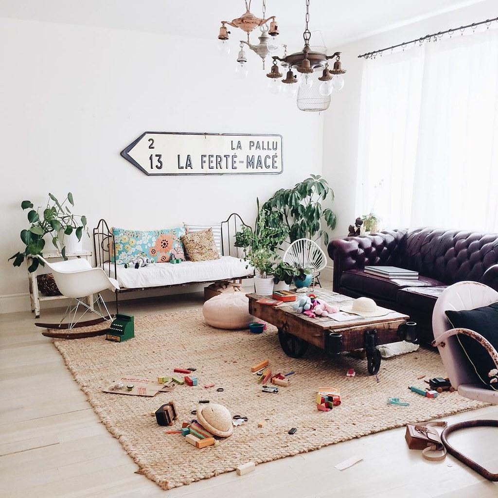 Kids live here. #wegetmessytoo #thenimakethemcleanitup #cakieshome #life
