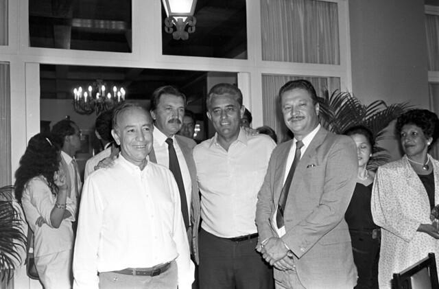 Coquetel na Residência Oficial de Águas Claras em 28/04/1989