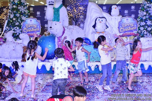 Grand Magical Christmas Parade in SM City Trece Martires (23)
