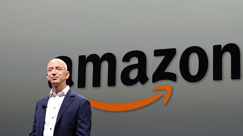 Jeff Bezos, CEO of AMAZON, introduces new Kindle Fire HD Family and Kindle Paper white during the AMAZON press conference on September 06, 2012 in Santa Monica, California.  AFP PHOTO/JOE KLAMAR        (Photo credit should read JOE KLAMAR/AFP/GettyImages)